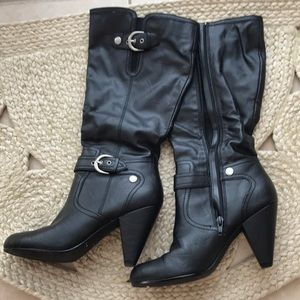 Zip Up Mid-Calf Style Boots